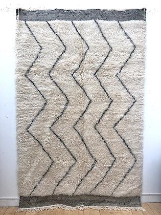 Tapis berbère Marmoucha à zigzags noirs 2,71x1,72m