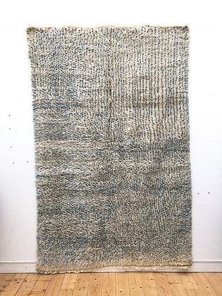 Marmoucha à pois bleu indigo avec détails verts sur côté 2,58x1,7m