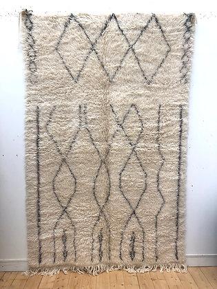 Tapis berbère Marmoucha à motifs graphiques noirs 2,69x1,69m
