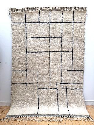Tapis berbère Beni Ouarain à motifs géométriques noirs 2,99x1,93m