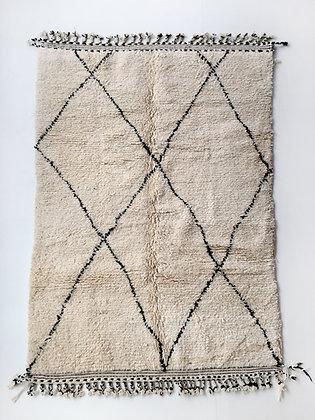 Tapis berbère Beni Ouarain à losanges noirs 2,32x1,52m