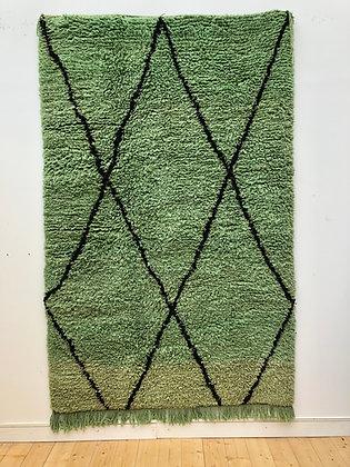 Tapis Boujaad vert à motifs de losanges noirs 2,55x1,48m
