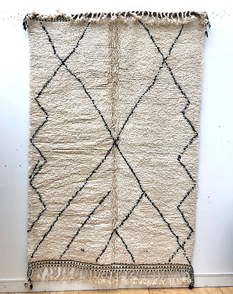 Tapis berbère Beni Ouarain à motifs libres noirs 2,45x1,63m