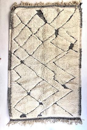 Tapis berbère Beni Ouarain à motifs graphiques noirs 2,58x1,65m