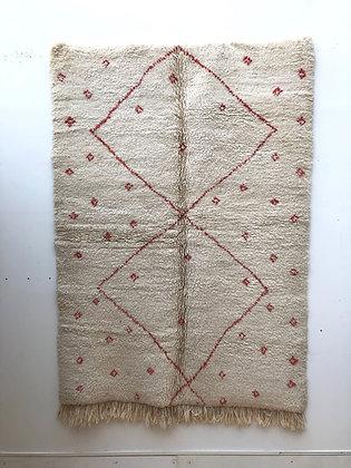 Beni Ouarain écru à motifs rose 2,25x1,56m