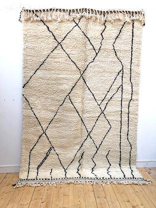 Tapis berbère Beni Ouarain à motifs libres noirs 2,97x1,91m