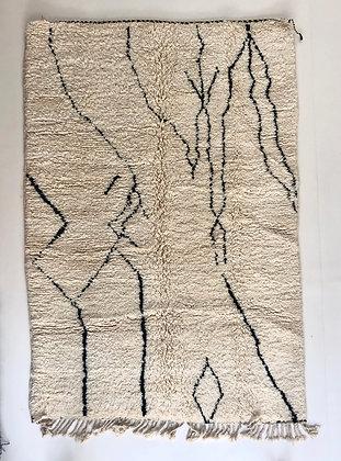Tapis berbère Beni Ouarain à motifs graphiques noirs 2,38x1,60m