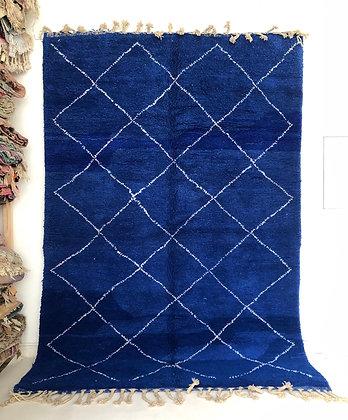 Tapis berbère Beni Ouarain bleu intense à losanges blancs 3,09x2,09m