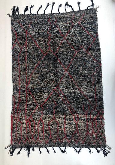 Tapis berbère Beni Ouarain chiné à motifs rouges 2,47x1,63m