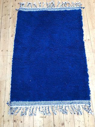 Tapis berbère Beni Ouarain bleu uni intense 1,66x1,15m