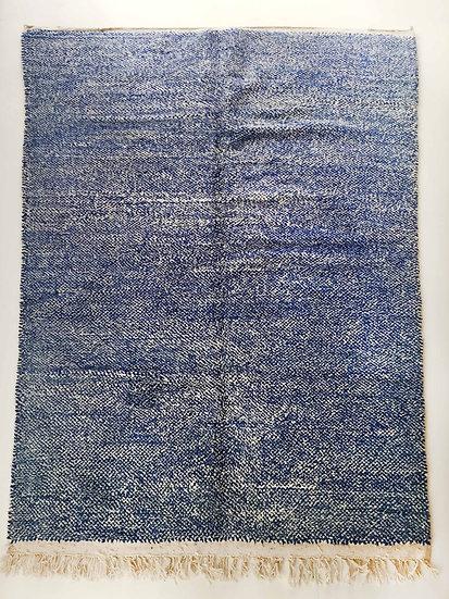 Tapis berbère Beni Ouarain moucheté écru et bleu 2,98x2,03m