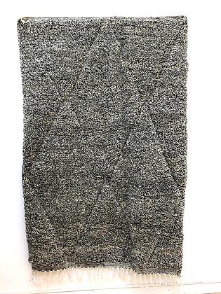 Tapis berbère Beni Ouarain moucheté noir et écru 2,36x1,53m