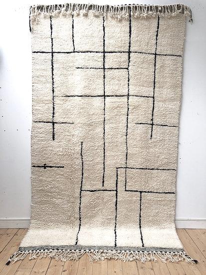 Tapis berbère Beni Ouarain à motifs géométriques noirs 3,01x1,74m