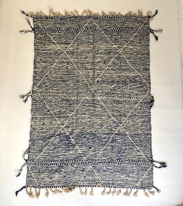 Kilim berbère Zanafi chine écru et bleu majorelle 2,4x1,61m