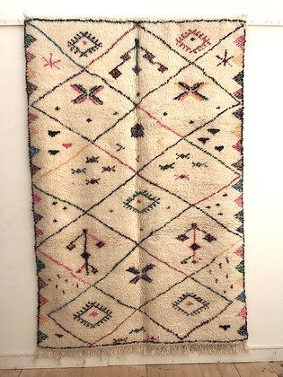 Tapis berbère Beni Ouarain écru à motifs colorés 2,46x1,63m