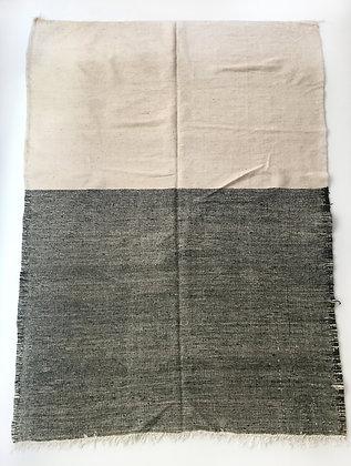Kilim berbère Zanafi écru et noir chiné 1,92x1,85m