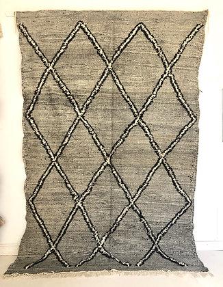 Kilim berbère marocain Zanafi noir et blanc 2,94x1,92m