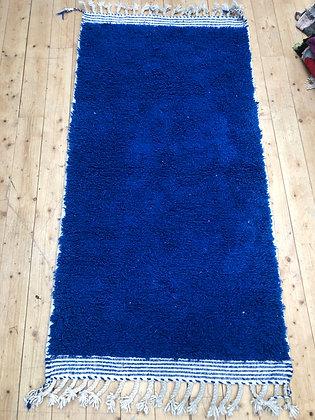Tapis berbère Beni Ouarain bleu intense uni 1,98x1m