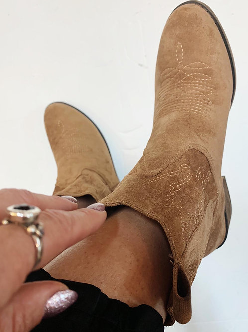נעלי ז'אמס צבע כאמל