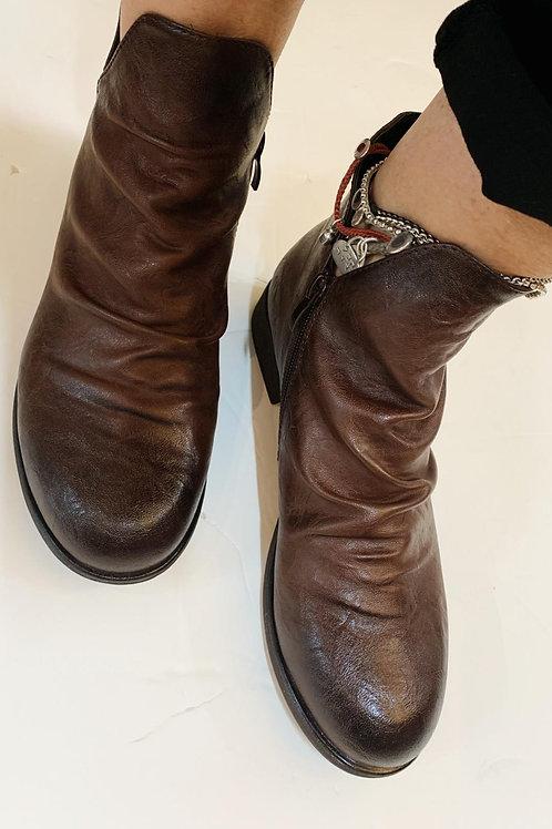 נעלי עור צבע חום