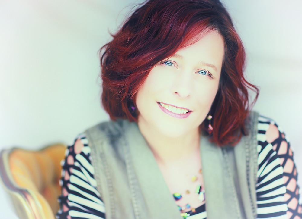 Author Amanda Uhl