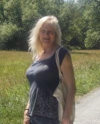 Author Lucinda Elliot
