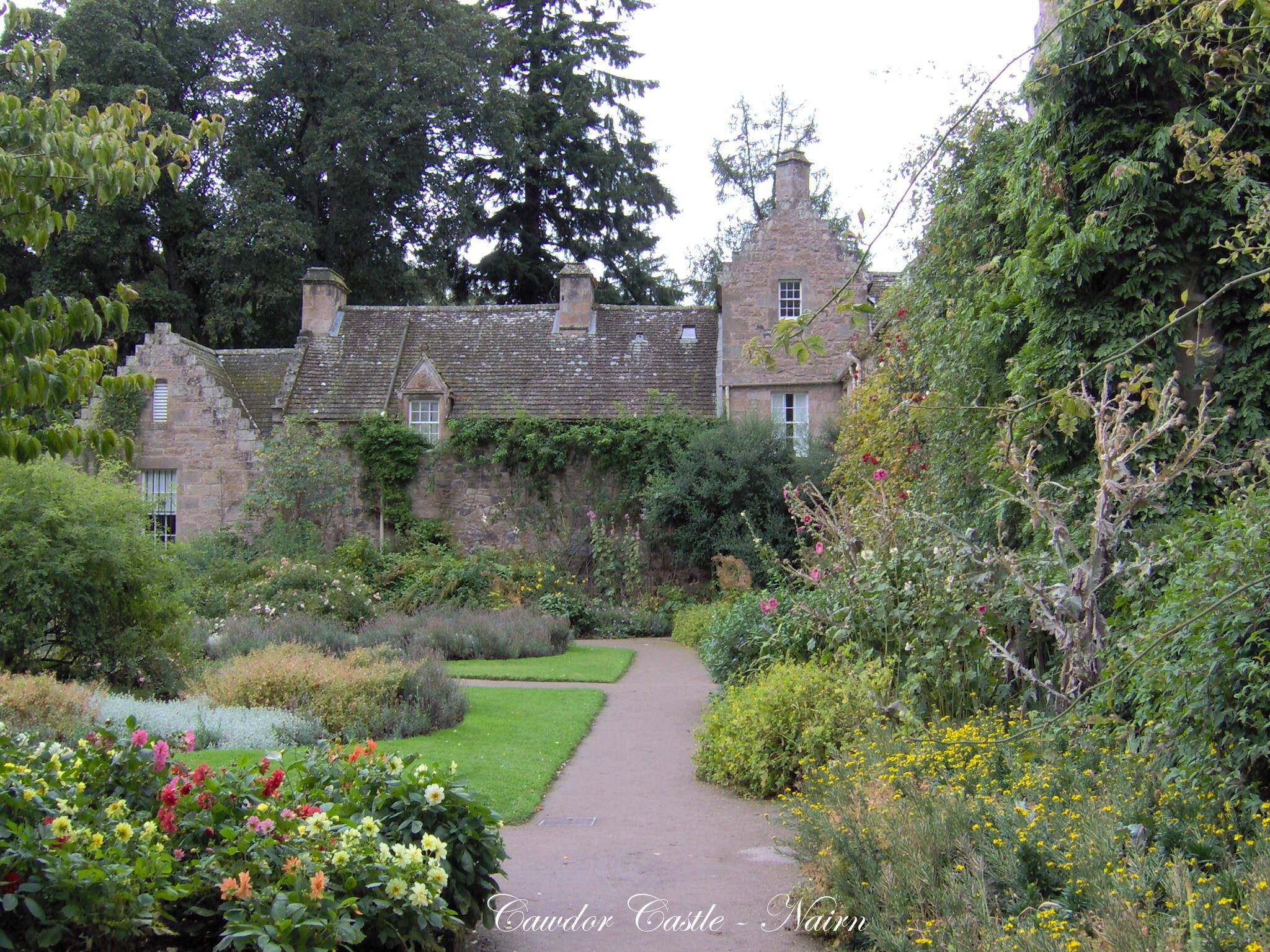 Cawdor Castle & Gardens