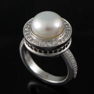 Mabe-Pearl-Ring-14kw-2010.jpg