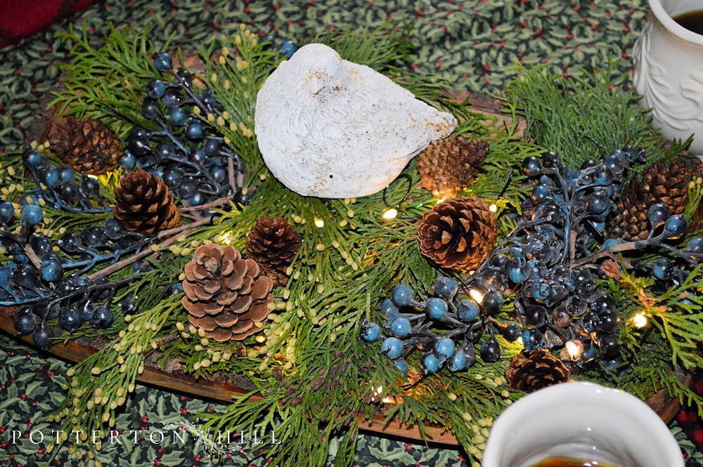 Christmas Table Decoration Idea_PottertonHill.com