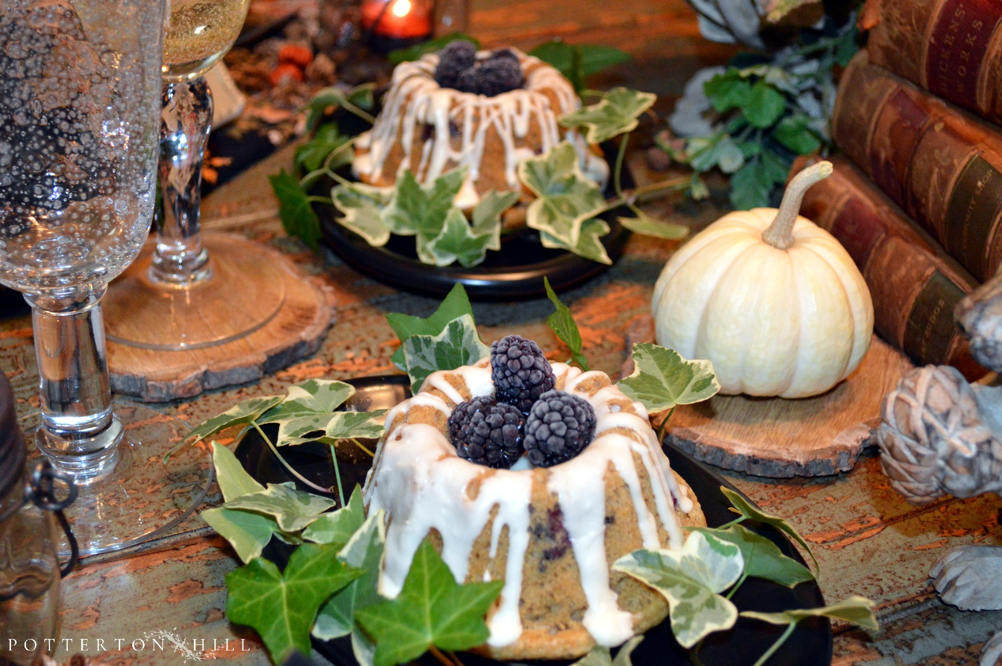 Autumn Table and Blackberry Mini Cakes with Glaze_PottertonHill.com | #recipe #cake #foodstyling