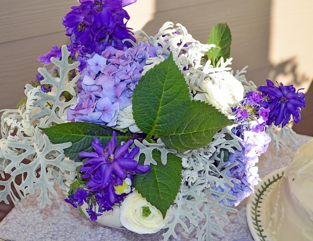 Purple colors flower arrangement_©PottertonHill.com #flowers #arrangement