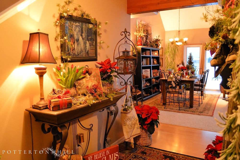 Christmas is Coming_PottertonHill.com_Christmas decor interior