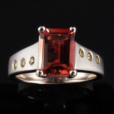 Labradorite-Andesine-14kw-gold-and-Yello