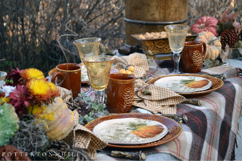 Rustic Autumn Lakeside Tablescape_PottertonHill.com
