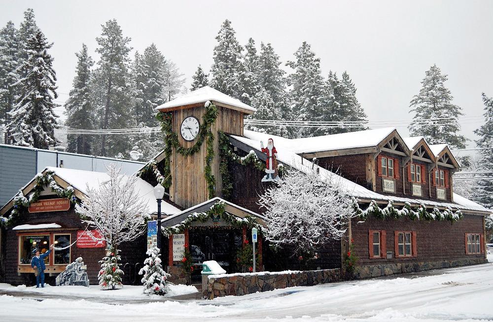 Bigfork Library at Christmas_PottertonHill.com_MK McClintock