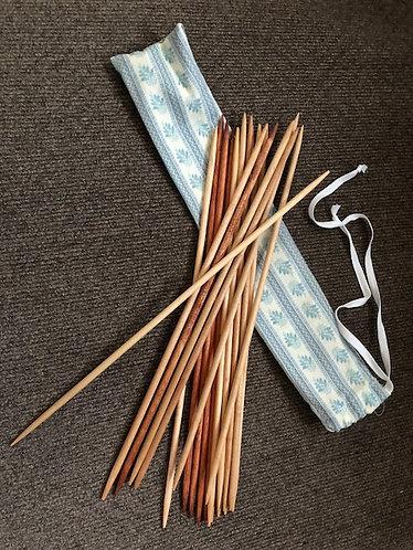 Pick-Up Sticks or Spillikins (Pick-Up Sticks)