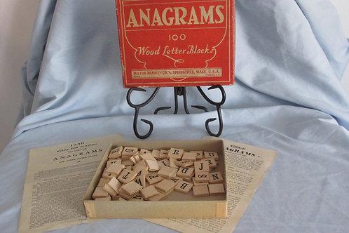 Anagrams 100 Wood Letter Blocks (1930) Milton Bradley