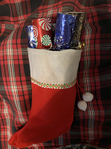 English Christmas Crackers in a Stocking (5)