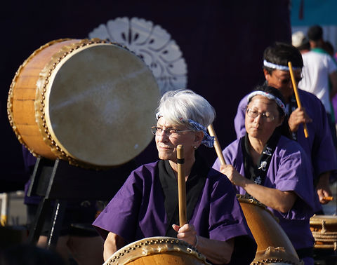 Person playing Taiko