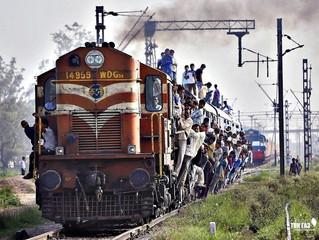 В Индии железнодорожные локомотивы переводят на газовое топливо