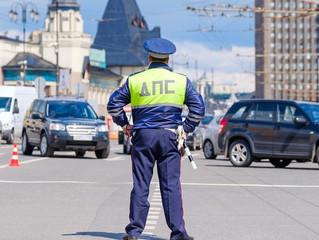 Инспекторам ГИБДД разрешили тормозить машины должников