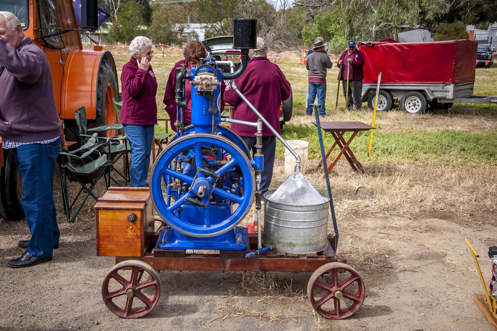 Vintage machine 1