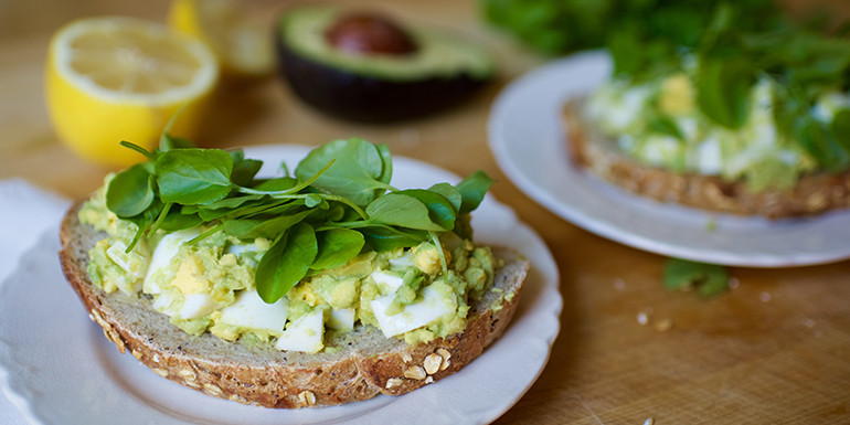 Avocado Egg Salad Toast - Lipstick And lunges - 21 Day Fix breakfast recipes