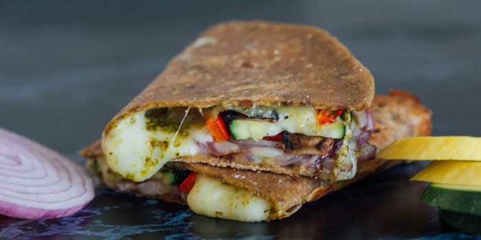Lipstick And Lunges - Grilled Veggie Quesadilla - 21 Day Fix recipes