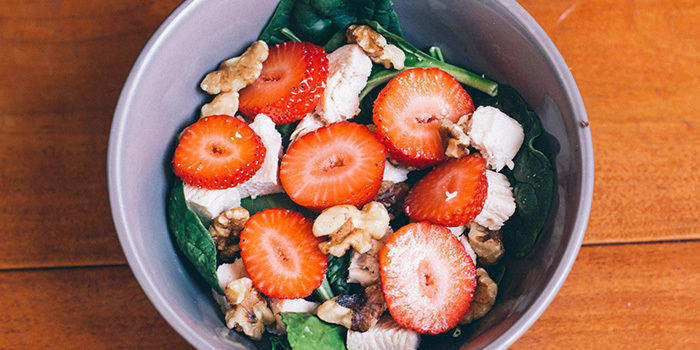 Lipstick And Lunges - Strawberry Spinach Salad - Diet Meal Plans