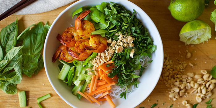 Lipstick And Lunges - Diet Meal Plans - Shrimp Noodle Bowl