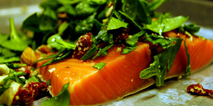 Lipstick And Lunges - Spinach Stuffed Salmon - 21 Day Fix recipes