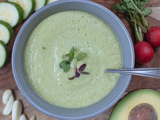 Green Gazpacho With Cucumber and Radishes (only 114 calories)