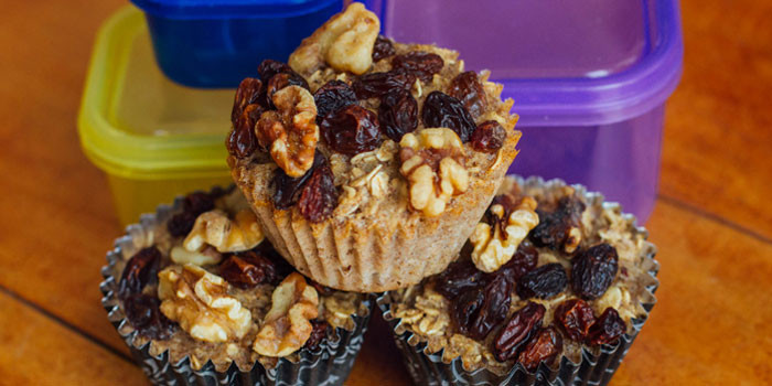 Lipstick And Lunges - Diet Meal Plans - Baked Oatmeal Cups with Raisins and Walnuts