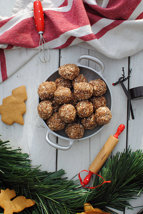 Lipstick And Lunges - Gingerbread Energy Balls